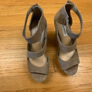 Steve Madden Essex Wedges Taupe Size 8
